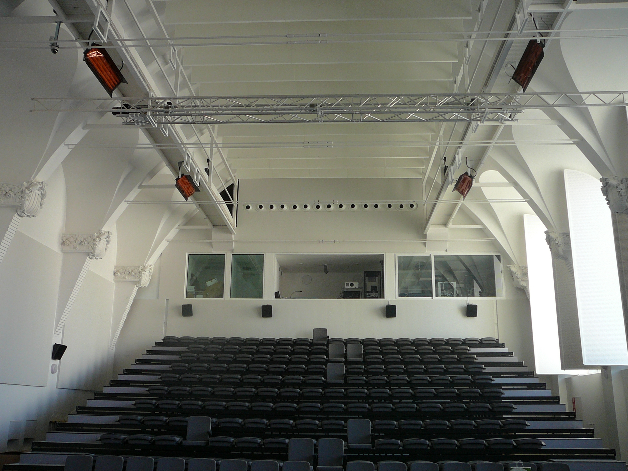 Sala Teatre pinta phonestop V + pinta absorber plano